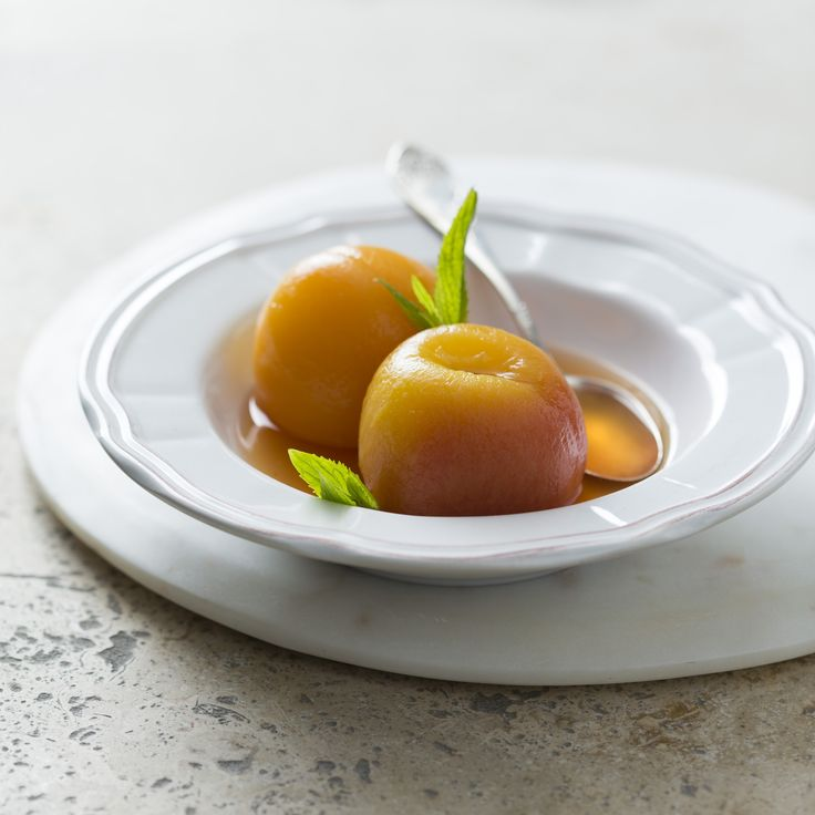 Peaches in white wine syrup | Thermomix | Vegetarian Kitchen cookbook and recipe chip | p. 176 |
