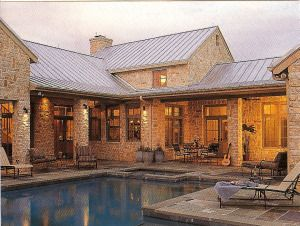 Renovating ranch style homes exterior texas regional for Grandi case in stile ranch