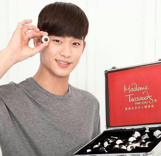 Kim Soo Hyun to get his own wax statue at Madame Tussauds Hong Kong!   http://www.allkpop.com/article/2015/02/kim-soo-hyun-to-get-his-own-wax-statue-at-madame-tussauds-hong-kong
