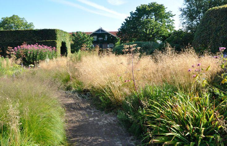 51 best piet oudolf images on pinterest landscaping for Piet oudolf private garden