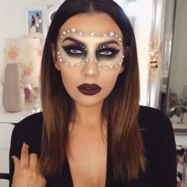 Happy Halloween!! Mystery Girl BY @J_MAKE_UP   #makeupgeek #makeupgeekcosmetics #nyx #nyxcosmetics #toofaced #toofacedcosmetics #sigmabeauty #desioeyes #opvlashes #jglam #j_make_up #vegas_nay #anastasiabeverlyhills  #makeupartist #mua #mysterylady #halloween2015 #halloweenmakeup #happyhalloween #makeupaddict #instamakeup #flawless #trickortreat #makeupjunkie #makeuplover #makeup #halloween #lanadelrey #repost #
