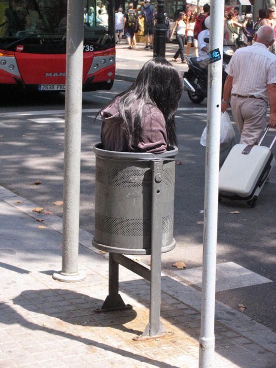 Mark Jenkins - Urban Art | www.collater.al/?p=25991Artists, Sculpture, Urban Art, Street Art, Mark Jenkins, Barcelona, Art Installations, Art Is, Streetart