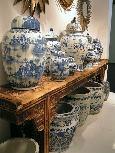gorgeous blue and white Chinoiserie porcelains
