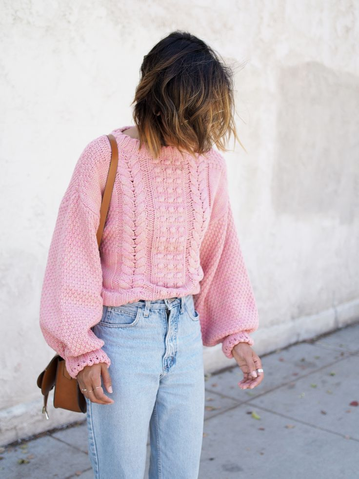 Pink chunky knit + high waisted denim.
