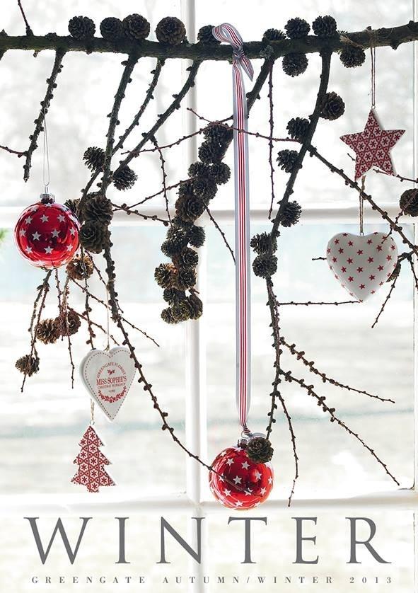 Greengate Christmas - Schöne Weihnachtsdeko. So ähnlich werde ich dieses Jahr unser Küchenfenster dekorieren.