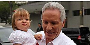 Roberto Justus defende a filha Rafaella das críticas