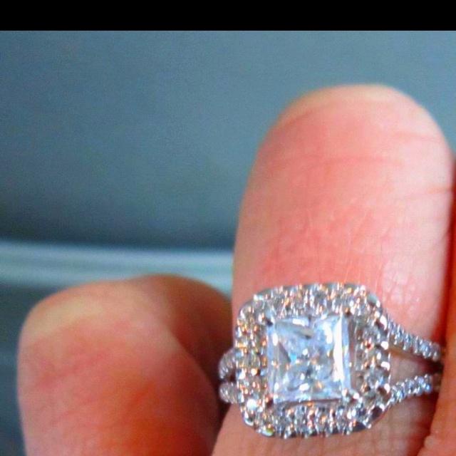My best friends wedding ring!!