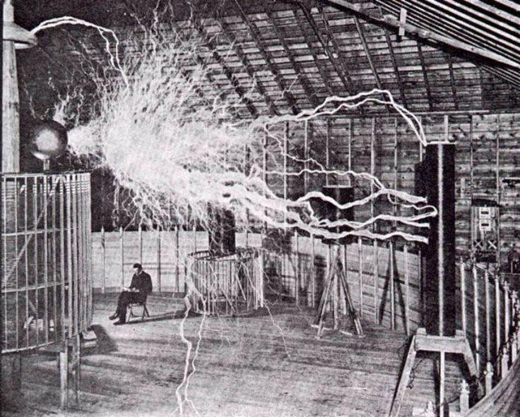 Paideia Education: Nikola Tesla: ¿Genio o científico loco?