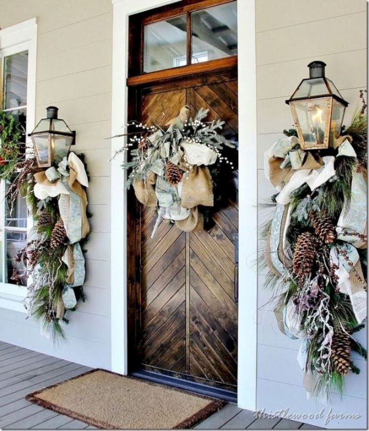 Nice 45 Awesome Christmas Front Porch Decor Ideas https://homeylife.com/45-awesome-christmas-front-porch-decor-ideas/