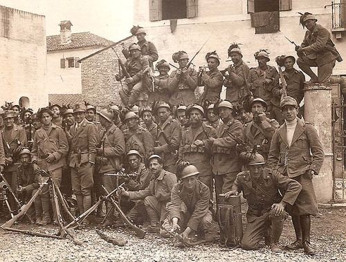 """The Arditi- """"The Daring Ones"""" Italy's Elite Assault Troopers of WWI ca. 1917"""