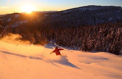 Incredible sunset at @whitewaterskiresort. Here is @tracecooke enjoying some turns in this beautiful light. Photo by @steverobert1 via: @highway.tour.collective #wh2o #iheartwh2o #explorekooteaylake #explorebc #explorecanada #nelsonbc #kootenaylake #kootenaylife #mountainlife #pnw #pacificnorthwest #pnwonderland #cascadiaexplored #getoutside #getoutthere #travel #adventure #mountains #snow #ski #snowboard #pow #powder #skibc #powderhighway