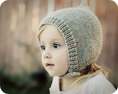 Knitted bonnet - French Knot