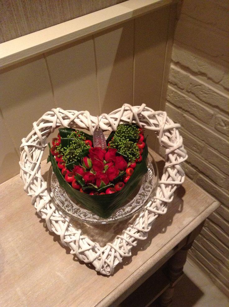 Mooi hart bloemstukje