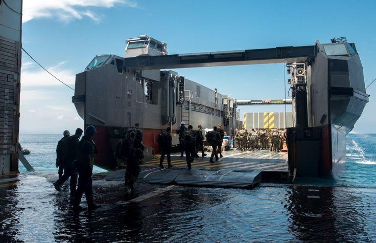 Le 25 mars 2015, les forces françaises stationnées à Djibouti (FFDj) et le groupe école d'application des officiers de marine (GEAOM) ont débuté la deuxième phase de l'exercice WAKRI 2015. Celle-ci est consacrée à la conduite d'une opération amphibie d'évacuation de ressortissants impliquant un fort volume de forces interarmées. WAKRI 2015 s'appuie sur un scénario simulant les suites d'une importante catastrophe naturelle. De lourds dommages dans la région et l'infiltration de bandes armées…