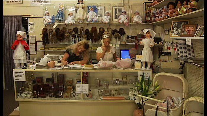 Sydney Doll Hospital - History (1,2,3) - video.
