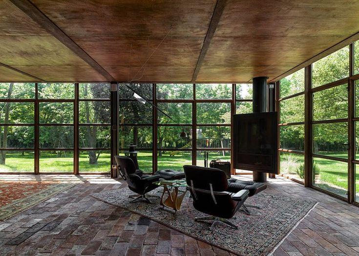 // Villa In Acciaio Cor-ten by zanon architetti associati. Photo: Paolo Belvedere