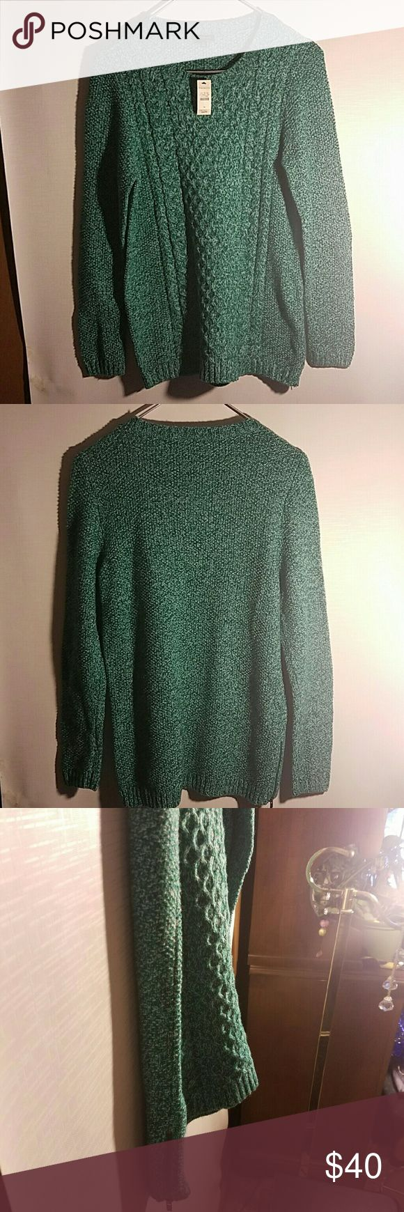 Talbots knited sweater Green knitted sweater with side zipper closures  made with  35% merino wool  35% nylon 30% acrylic Nwt Talbots Sweaters