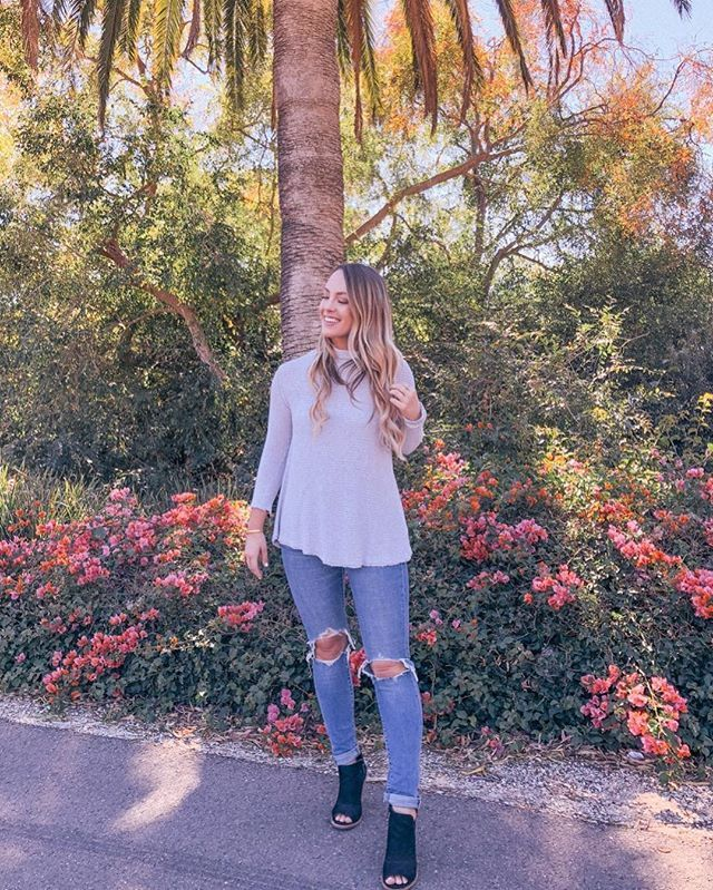 Shopbop Jeans, Palm Trees, Fall Style, Blogger Style, Freepeople Sweater, Black Booties, Blonde Hair Color, Freepeople Style, Freepeople Clothing, Best Sweaters for fall.