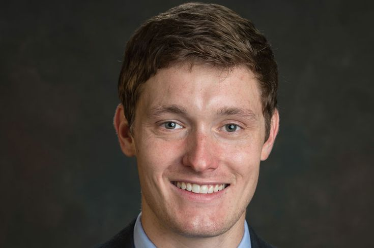 The American Association of Professional Landmen (AAPL) has named energy management senior Bryce Cason as the 2015 Outstanding Graduate.