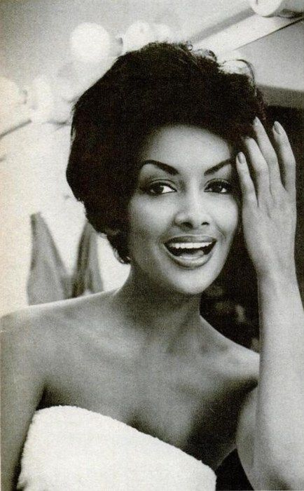 Helen Williams ,the first black female model to break into the fashion mainstream. c.1950's (*Vanessa William's mother)