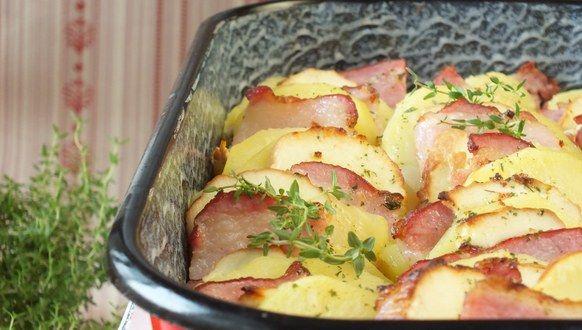 Przepis na Zapiekane ziemniaki z boczkiem i oscypkiem #ChNP
