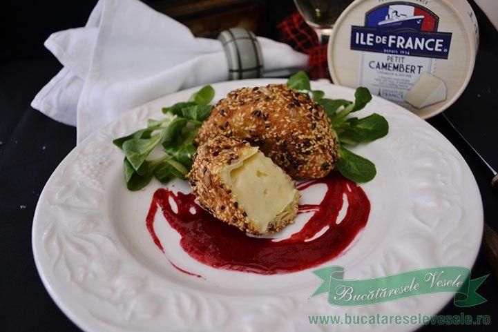 Camembert in Crusta de Seminte. Aperitiv festiv din branza camembert Ile de France.Cum se face branza camembert in crusta de seminte. Aperitive revelion.