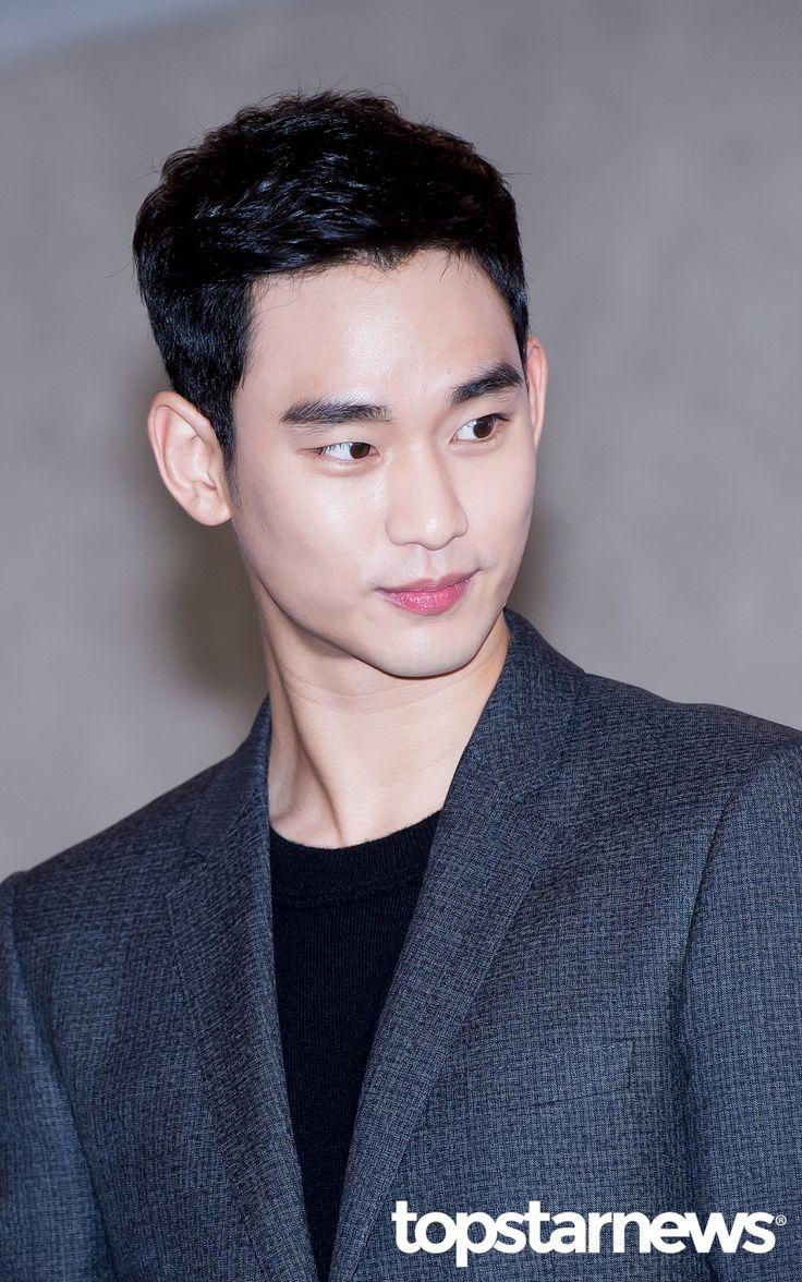 [HD포토] 김수현 조각같은 외모로 여심저격 #topstarnews