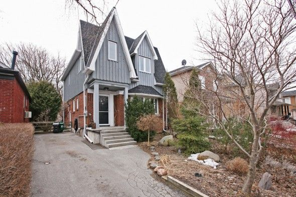 Toronto - O'connor/Parkview Hill  A lovely renovated 4+1 bedroom family home situated in a ravine like setting steps to transit and Taylor Creek Park.  Lovely well established perennial gardens in front and throughout the fully fenced private treed backyard with garden shed.