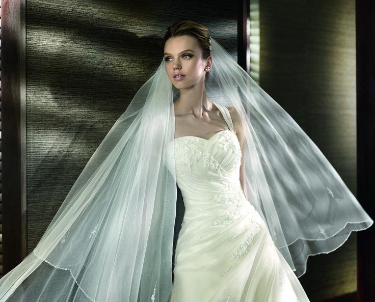 Esau - Kifutó modellek - Esküvői ruhák - Ananász Szalon - esküvői, menyasszonyi és alkalmi ruhaszalon Budapesten