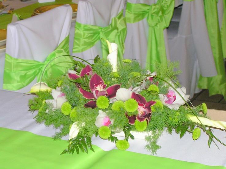 Almazöld-bordó asztali csokor