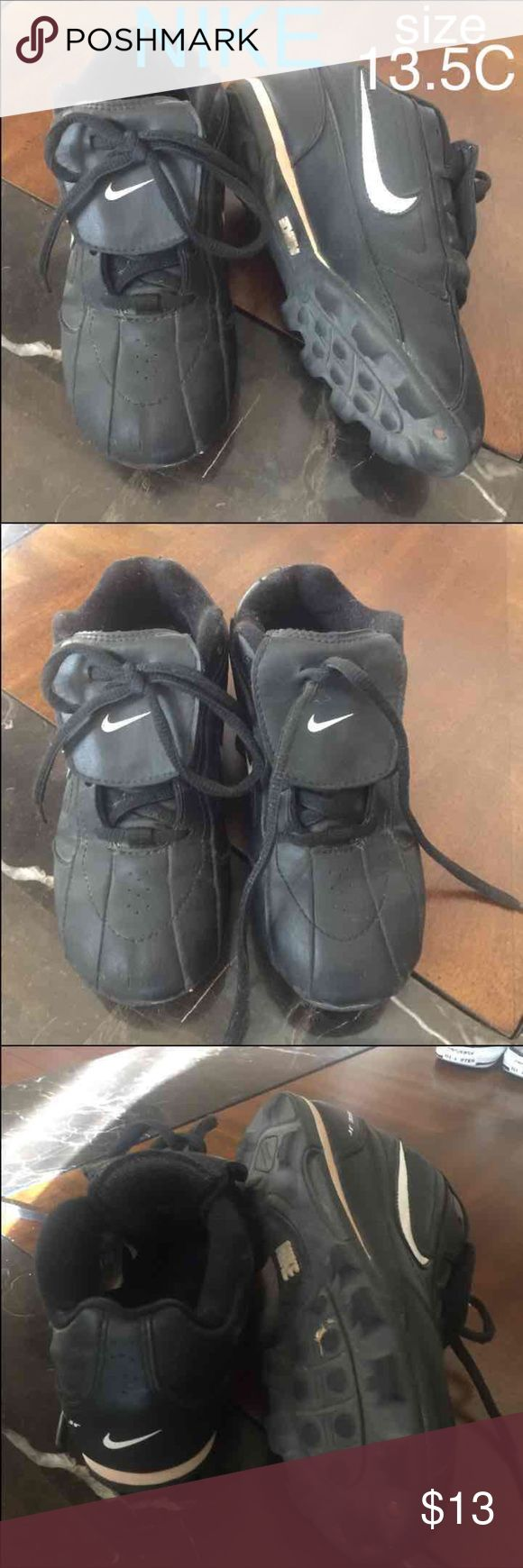 NIKE boy's baseball cleats ✨BUNDLE FOR A GREAT DEAL!! 😃 Pay one shipping fee plus get a DISCOUNT!!! 😁😁  Nike baseball cleats/ t-ball cleats for kids, size 13.5C 💥 IN GREAT condition ☺️   Boys cleats  Athletic shoes Nike Shoes Sneakers