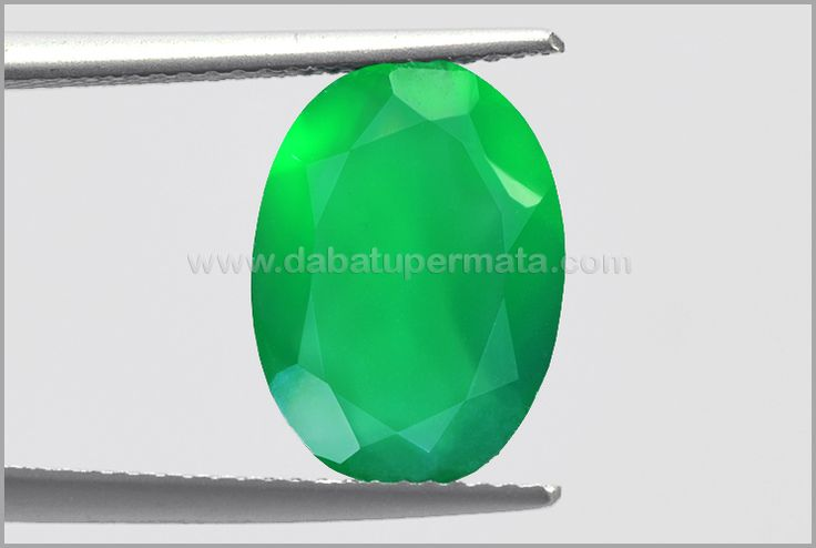 Elegant Crystal GREEN CHALCEDONY Fresh Green Colour  - BCH 026