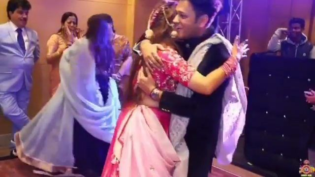 Check Out This Cute Video Of Brother And Sister Dancing On Her Sangeet Night Wishing Every One A Very Happy Rakshaban Cute Gif Dance Happy Rakshabandhan