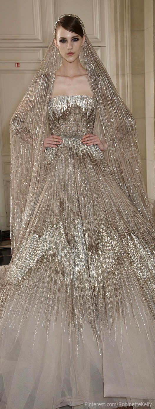Elie Saab Haute Couture - this dress is gorgeous! Would love to see it on Jennifer Aniston, Angelina Jolie, or Jennifer Lawrence