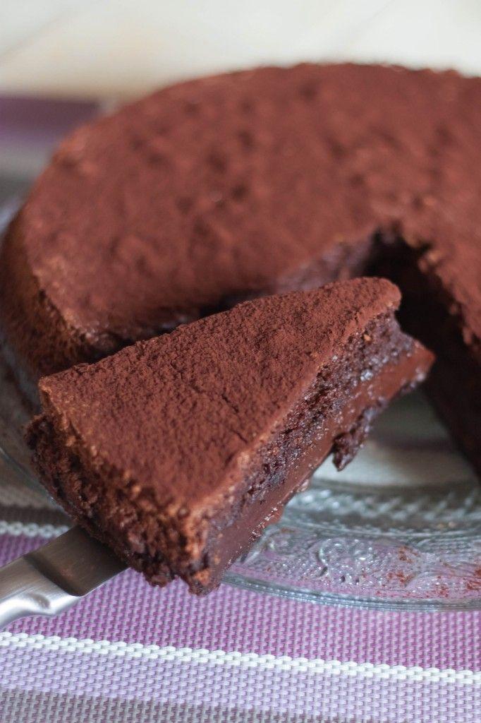 Vous connaissez probablement le gâteau magique. C'est une recette qui tourne depuis quelques semaines sur la blogosphère! Je l'ai testé, et effectivement! Lors de la cuisson, les plusieurs couches ...