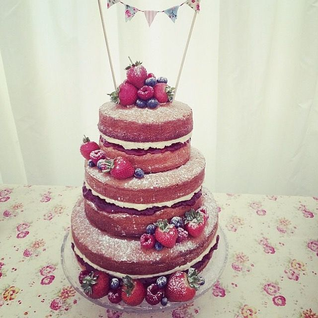 wedding cakes sponge sponge wedding cake with strawberry jam and 25512