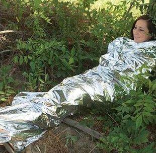 Couverture de survie en plein air les premiers secours sac de couchage d'urgence résistant aux radiations couverture sac de couchage thermique solaire isolation -radiation (China (Mainland))