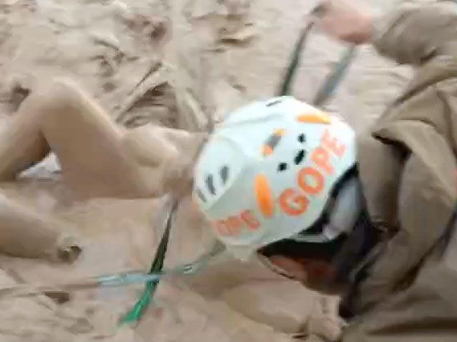 Dramático rescate de un hombre que era arrastrado por las las aguas en Chañaral Vídeo