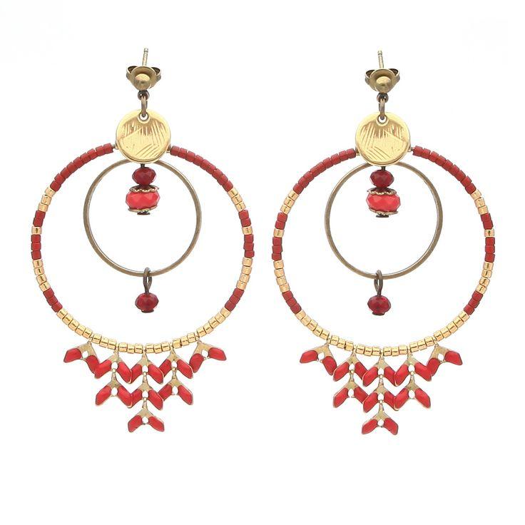 """""""Y'a d'la Rumba dans l'air"""". Les BO Rumba sont une élégante association de perles miyuki, de chaînette épi et de perles en métal. Elles sont à shopper en kit sur notre site #lacabaneaperles"""
