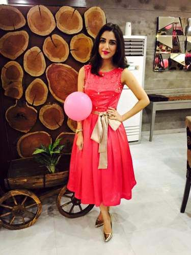 Maya Ali Birthday Party Pictures - Actress Birthday Images (4)