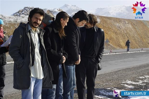 Behzat Ç. 1.Sezon'un kamera arkası fotoğrafları Foto Galeri Detay - Startv.com.tr –Star TV Resmi İnternet Sitesi