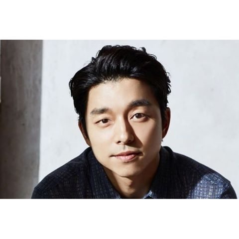 """Another clip has been released of Gong Yoo's interview with worldwide network CNN! In the video, released by CNN on their Facebook, actor Gong Yoo speaks about why he thinks """"Goblin"""" was so popular, once more showing off his adorable English. Check it out now!  #celebrity #CNN #English #Goblin #GongYoo #interview #kdrama #Koreanactor #Kstar http://www.b2s.pm/s9QK8W http://tipsrazzi.com/ipost/1518680742502420946/?code=BUTcBbIFVHS"""