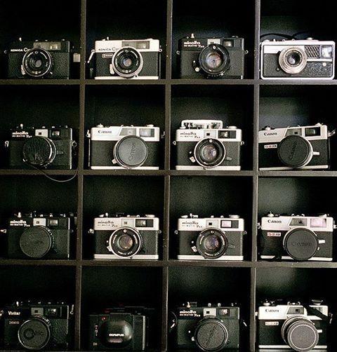 20 best camera collecting display images on pinterest vintage cameras display ideas and. Black Bedroom Furniture Sets. Home Design Ideas