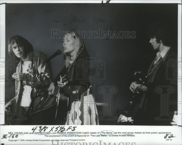 "1978 Press Photo ""The Last Waltz"" - Neil Young, Joni Mitchell, Robbie Robertson"