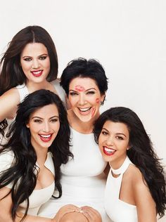 Beautiful celebrity mo m Kris Kardashian with her equally stunning daughters Khloe, Kourtney and Kim! ♥ If you enjoyed my pin, pls visit my celebrity site at www.celebritysize... ♥#celebritysizes #kardashians