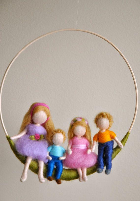 Waldorf móvil niños inspirado de fieltro aguja dos por MagicWool, $85.00