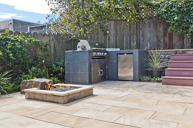 Outdoor kitchen in San Francisco?  I hope the thing on the right is a smoker: Smokers, Outdoor Kitchens