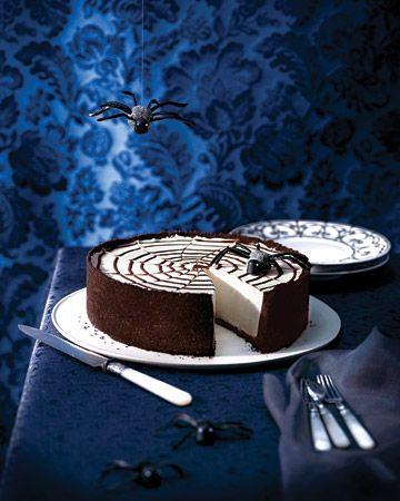 No-Bake Spiderweb Cheesecake for a super sweet #Halloween #treat !