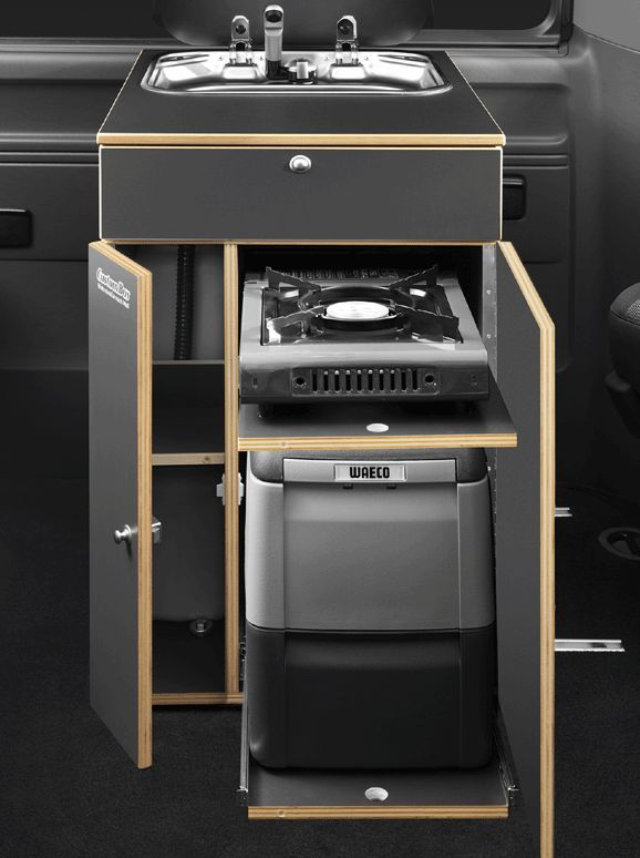 Küchenbox II mit Wassertanks, Kocher und Kompressorkühlbox