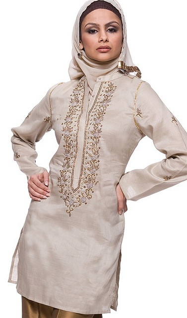 muslim-women-clothing by Islamic Clothing, via Flickr